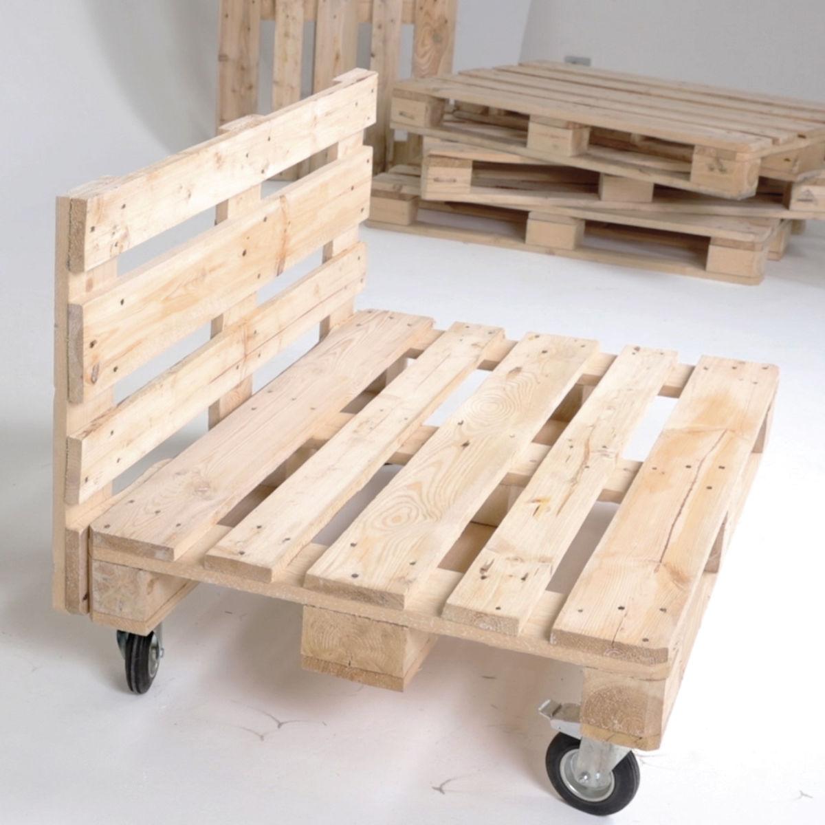 Come costruire un divano con i pallet guide e tutorial leroymerlin - Divano pallet schienale ...