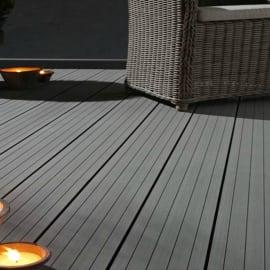 Pavimenti in legno e plastica per esterni leroy merlin for Leroy merlin pavimenti gres effetto legno