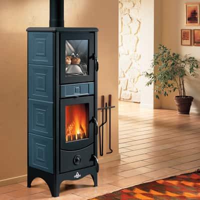 Stufa a legna con forno Maddalena blu