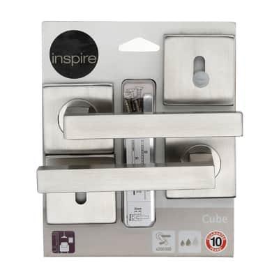 Maniglia con rosetta e bocchetta INSPIRE Cube in zama spazzolato
