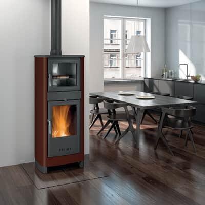 Stufa a legna con forno Savina 8 kW marrone